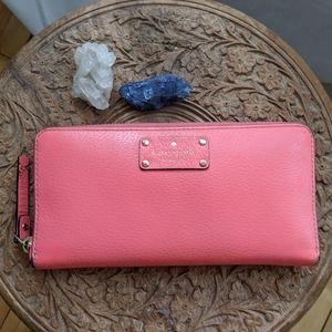 Kate Spade fusha pink wallet